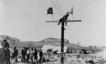 Completion of phone line in 1914 - Source: corp.att.com/history/nethistory/transcontinental