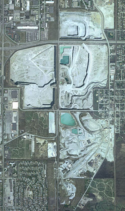 Chicago, Illinois - Thornton Quarry (limestone) - Source: en.wikipedia.org