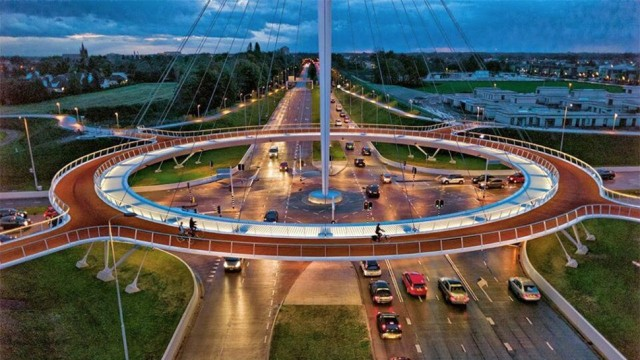 The Hovenring in Eindhoven - Source: gizmodo.com