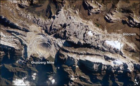 Source: en.wikipedia.org/wiki/Grasberg_mine#mediaviewer/File:GrasbergMine_ISS011-E-9620.jpg