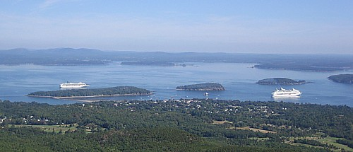 Cruise ships docked off Bar Harbor - Source: mountsesertisland.net